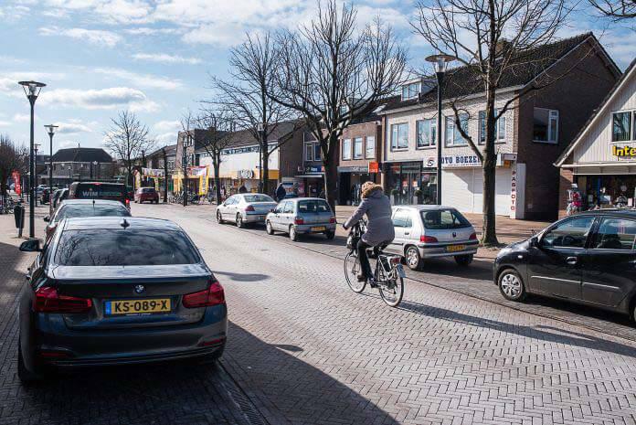 Consument blij met parkeren Roden, Heerestraat mag autoluw worden